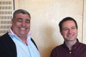 A gauche, le cédant Didier Souche et à droite l'acquéreur Jérome Marut