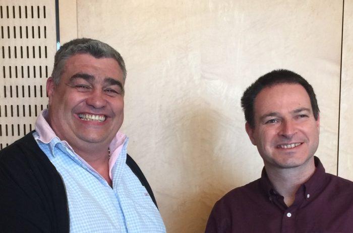 A gauche, le cédant Didier Souche et à droite l'acquéreur s'Altitch, société de travail en hauteur Jérome Marut